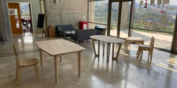 Muebles diseñados por miembros Ulima son fabricados para apoyar la reconstrucción de Beirut